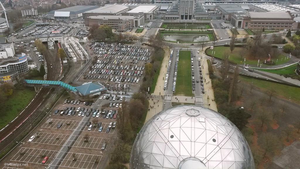 Brussel nhìn xuống từ Atomium