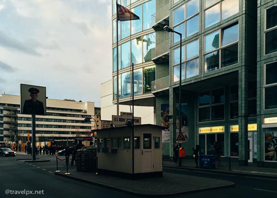 Du lich Berlin Checkpoint Charlie