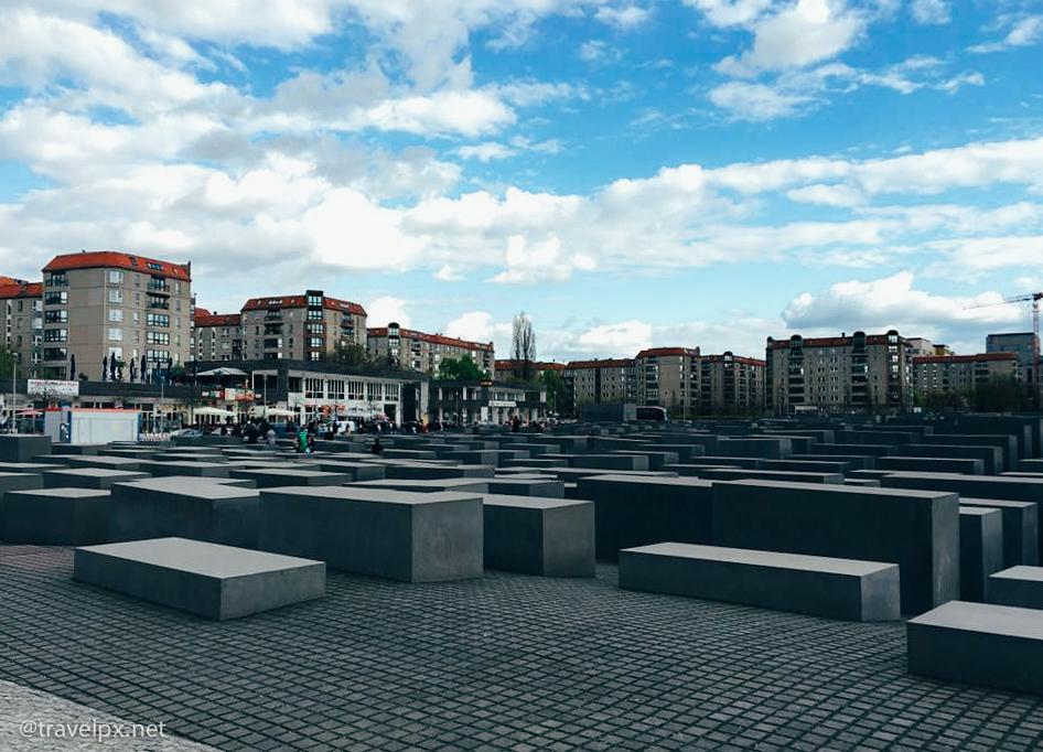 Du lich Berlin Holocaust Memorial