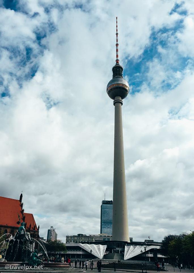 Tháp truyền hình Du lich Berlin